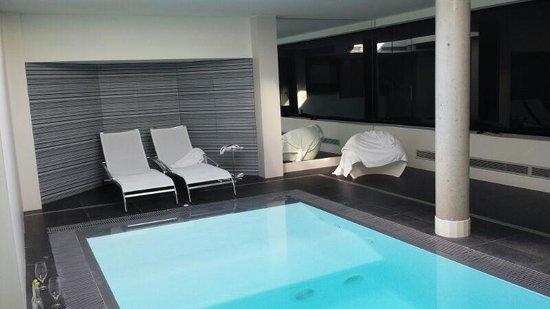 Kadrit Hotel: La piscina