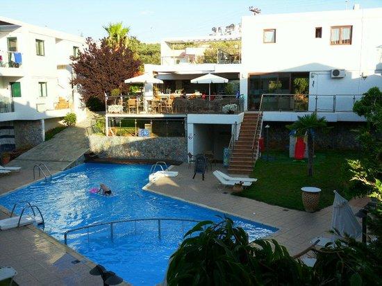 Minos Village : Vy från vårt rum