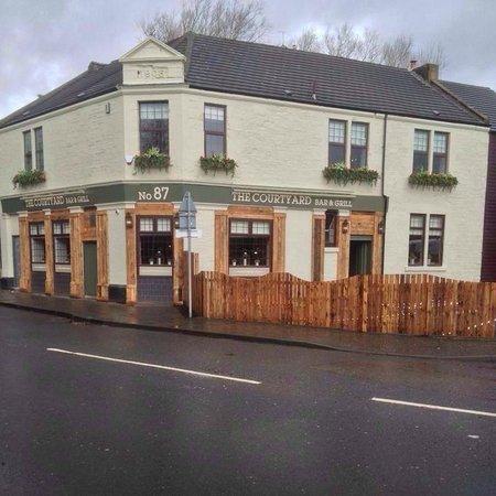 Coatbridge, UK: The Courtyard Bar & Grill