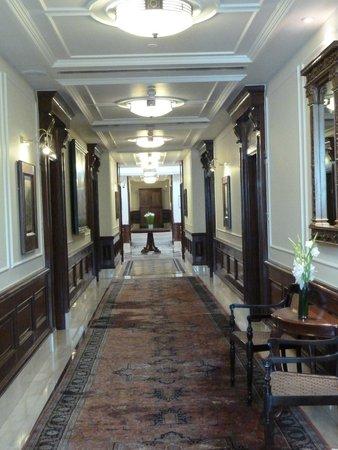 The Imperial Hotel: Antique corridors