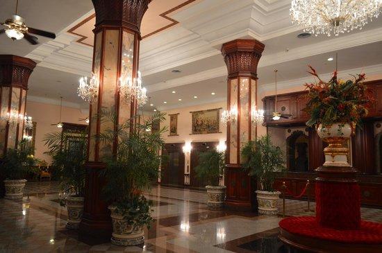 Hotel Riu Palace Paradise Island: loby