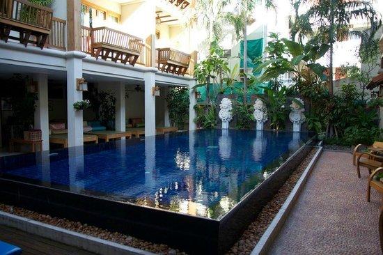Vieng Mantra Hotel: Piscine de l'hôtel