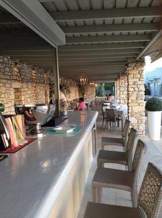 Saint Andrea Seaside Resort: The bar