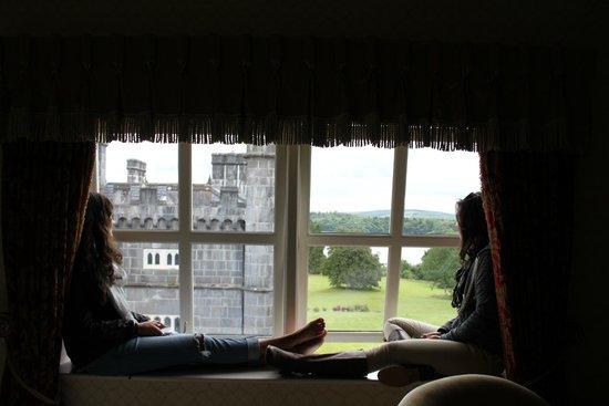Kilronan Castle Hotel & Spa: Window bench