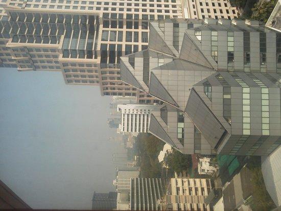 Bandara Suites Silom, Bangkok : 窓からの眺望