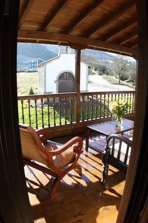 Hotel Casona Cuervo: Capilla y corredor