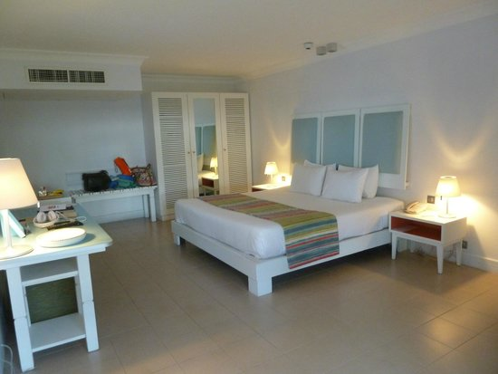 Ambre Resort & Spa: Large bedroom