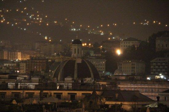 Melia Genova : ночная Генуя
