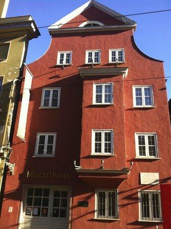 Steigenberger Hotel Drei Mohren: Дом Моцарта неподалеку