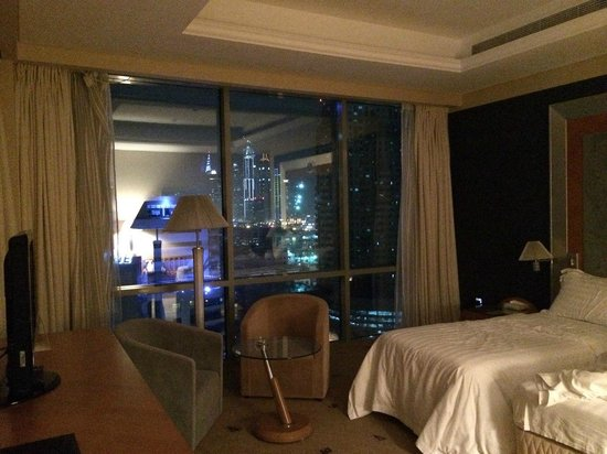 Byblos Hotel Dubai: Вид из номера