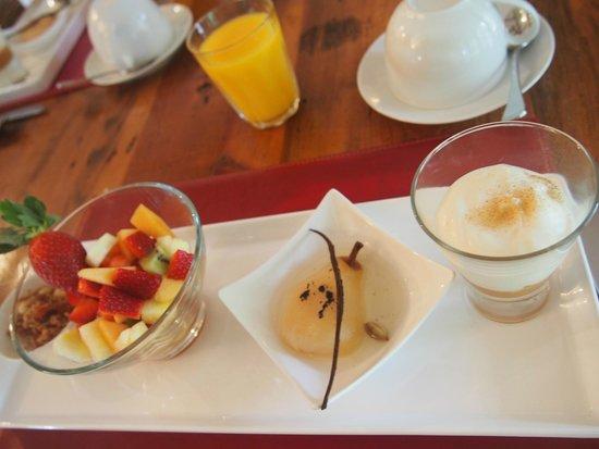 Llewellin's Guest House: Day 1 Breakfast