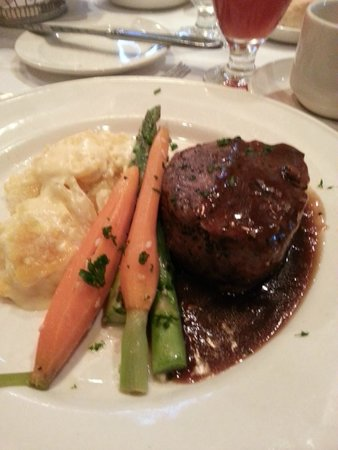 Crowne Plaza Hotel Dallas Downtown: dinner at the conference