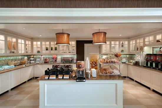 Hampton Inn & Suites Outer Banks / Corolla: Breakfast Serving Area