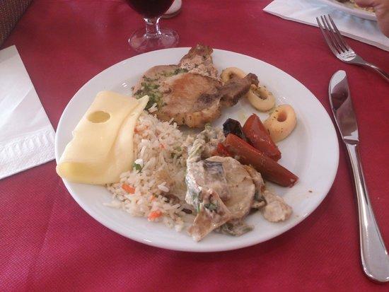 Palma Bay Club Resort : Comida en el restaurante