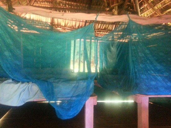 Ensueños: 40 $ a night for this without water nor electricity... what a thief