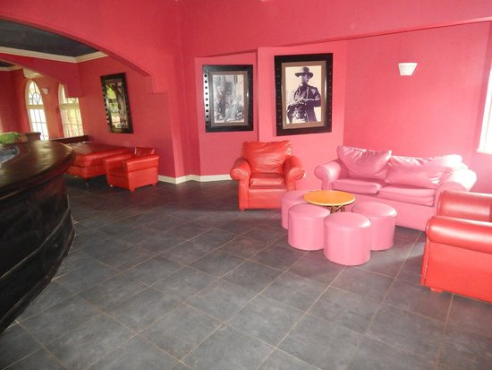 Hedonism II : Newly remodeled piano bar areas