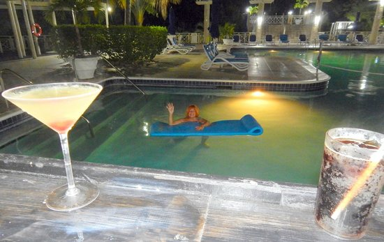 Hedonism II : Main pool offers quiet times late at night