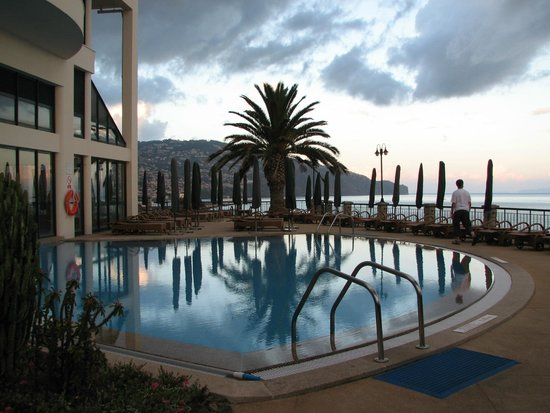 Hotel The Cliff Bay: Indoor/outdoor freshwater pool area