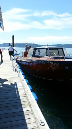 The Coeur d'Alene Resort: Free water taxi from resort to golf course/pool/beach