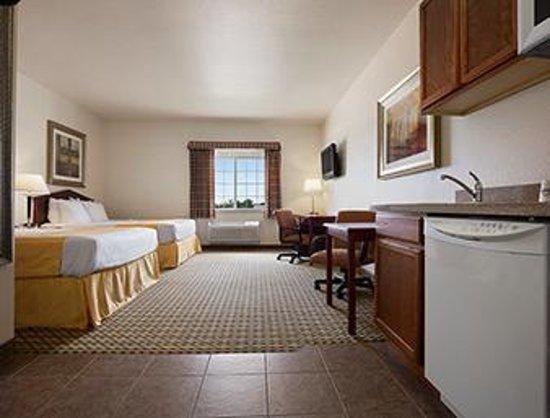 Days Inn & Suites Columbus NE: TWO QUEEN