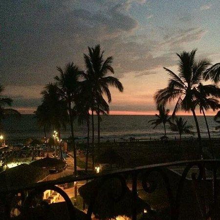 Torres Mazatlan Resort: Sunset View