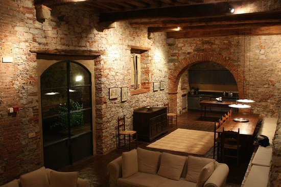 Catureglio Casa Vacanza: One of the lounge/dining/kitchen areas