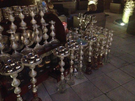 Ciragan Palace Kempinski Istanbul: Shishas an der Hotel Bar