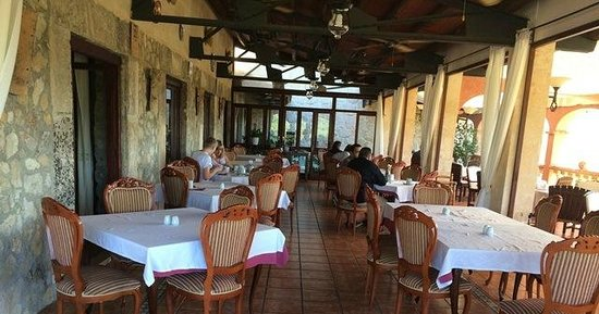 Hotel Rural & Spa Monnaber Nou: The outdoor dining area