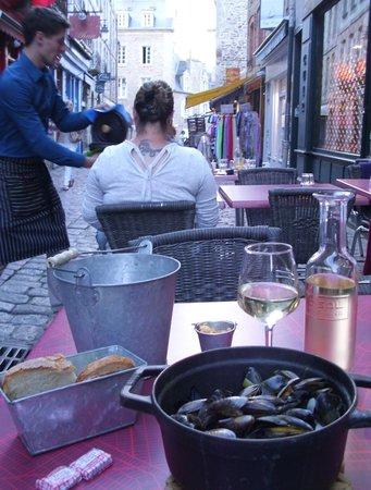 La Lycorne : Feel your part of the town with the outside seating
