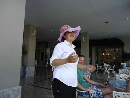 SENTIDO Marina Suites- Adult Only : A magic waitress who always made us laugh.