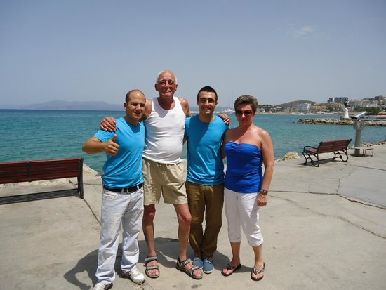 SENTIDO Marina Suites- Adult Only : New friends made at the Candan (HELLO)