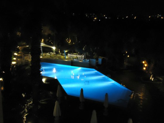 SENTIDO Marina Suites- Adult Only : Pool at night.