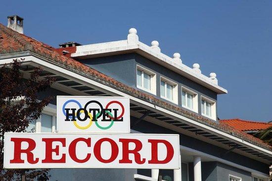 Hotel Record: FACHADA