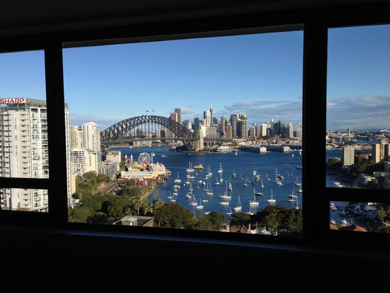 North Sydney Harbourview Hotel: From our room.