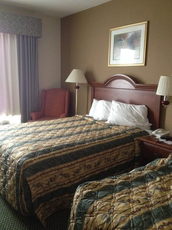 Country Inn and Suites Harrisburg West: Hotel Room Beds