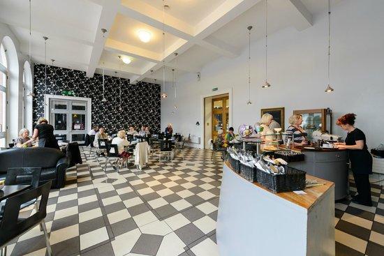 Ferens Art Gallery: La Loggia Cafe