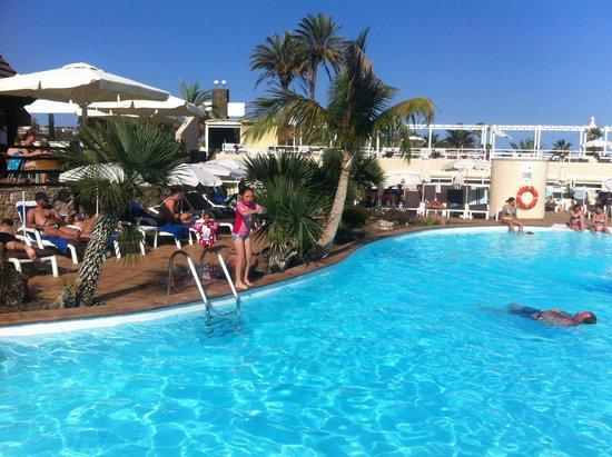 Gloria Palace San Agustín Thalasso & Hotel : Where we sit and swim