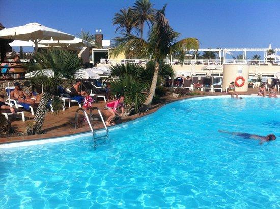 Gloria Palace San Agustín Thalasso & Hotel : Where we sit & swim