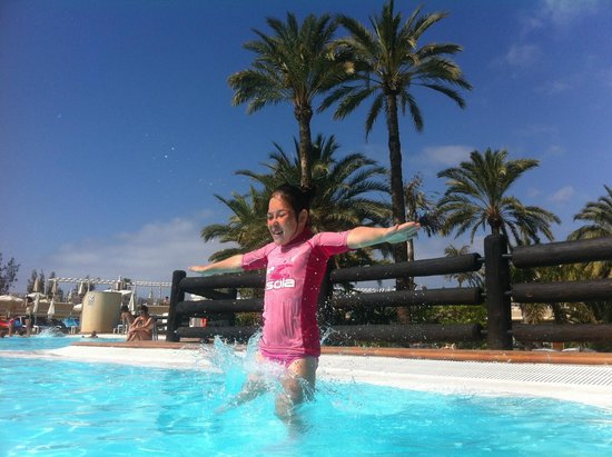 Gloria Palace San Agustín Thalasso & Hotel : Gardens and pool