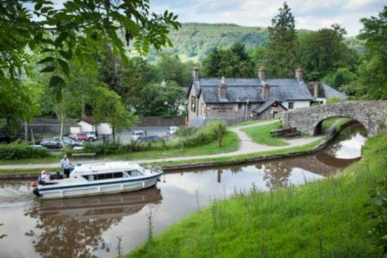 Hawthorns Bed and Breakfast: Several pubs  with retaurants nearby