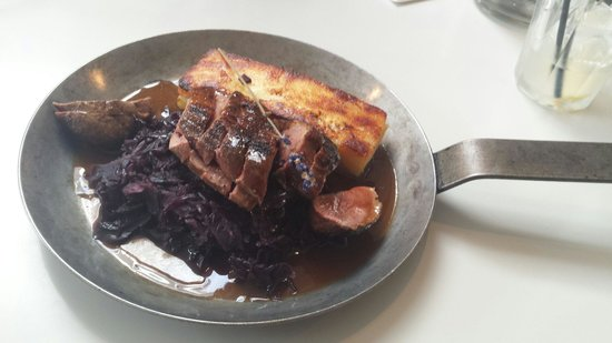 Eat 17 : Duck breast with dauphinoise and red cabbage.