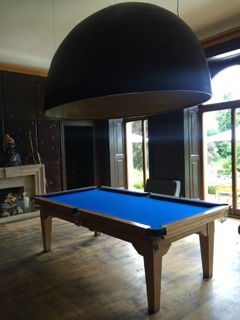 Cowley Manor: Billiards room