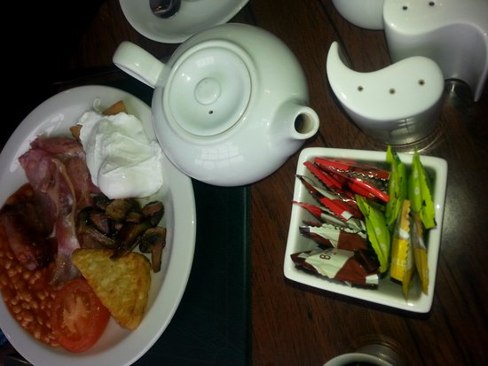 Castle Limes Hotel: cooked breakfast