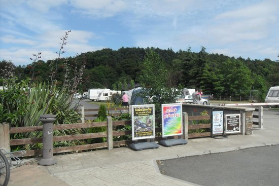 Hidden Valley Holiday Park: View from Reception