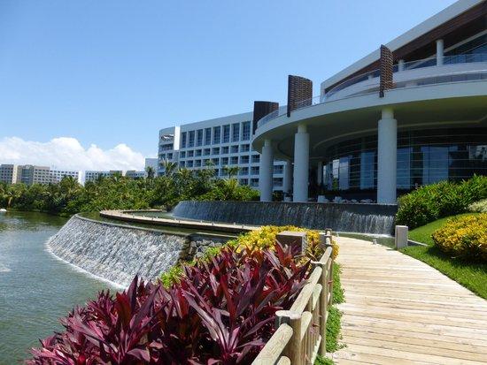 Grand Luxxe Nuevo Vallarta: La Plaza Lifestyle Center