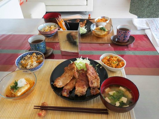 YUCa's Japanese Cooking: The meal we prepared.  YUM!