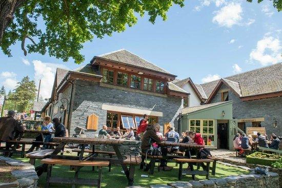 Exterior picture of The Oak Tree Inn, Balmaha, Loch Lomond