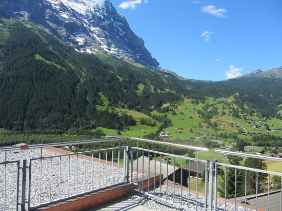 Hotel Spinne: Great view towards the Eiger from the Eiger Suite balcony