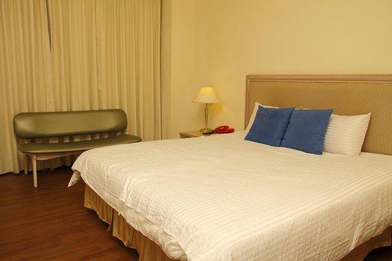 Sun-Link-Sea Hotel : 雙人床
