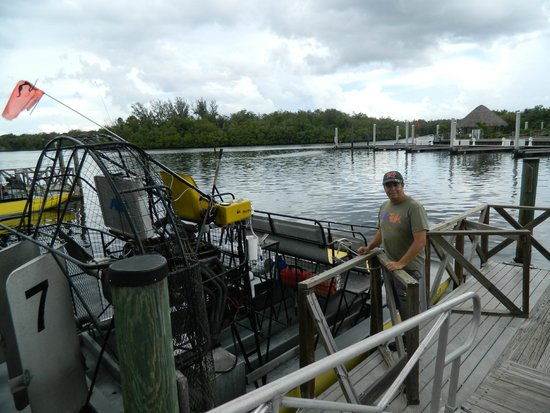 Everglades City Airboat Tours : Esperando para la aventura...